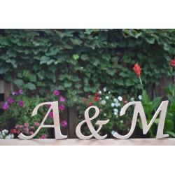 Dekoracje na wesele litery z drewna stojace
