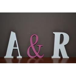 Dekoracja stołu ślubnego litery stojące