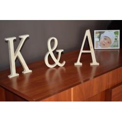 Inicjały litera znak z drewna